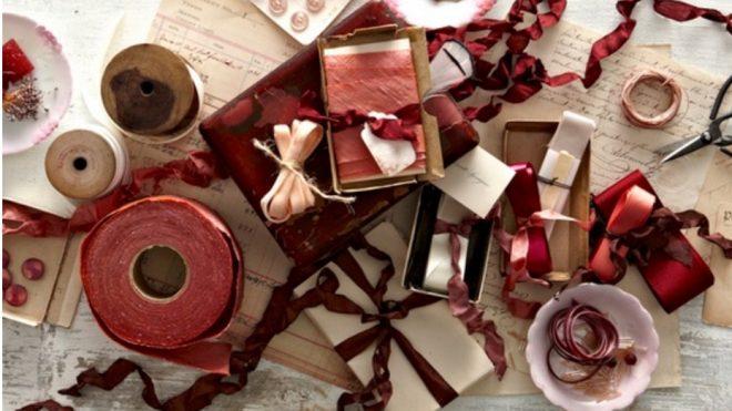 Na zapakowanie świątecznego prezentu jest wiele sposobów.