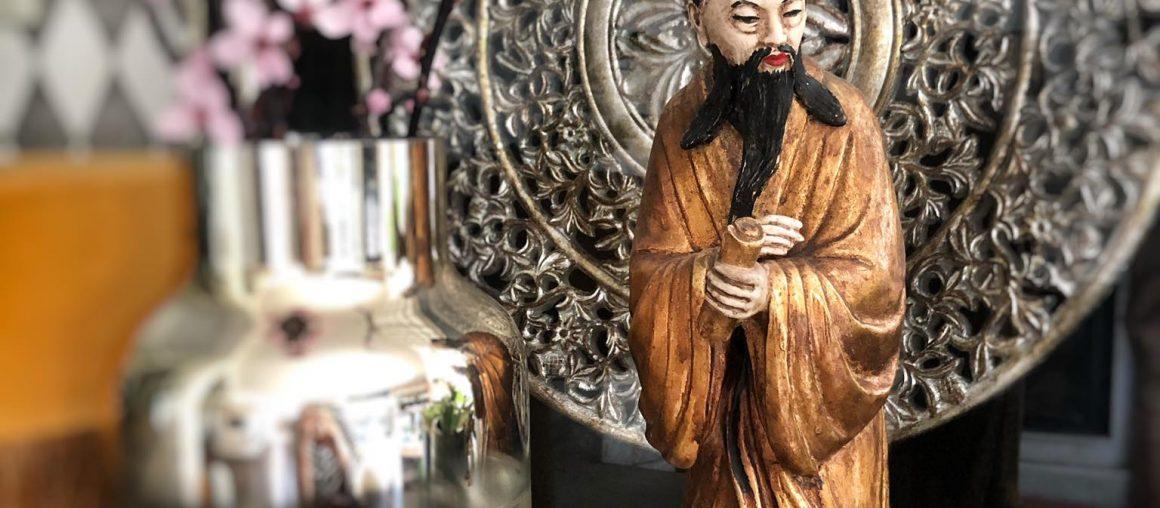 Historia pewnego Mędrca... W świecie ulubionych dekoracji, figur i posążków.